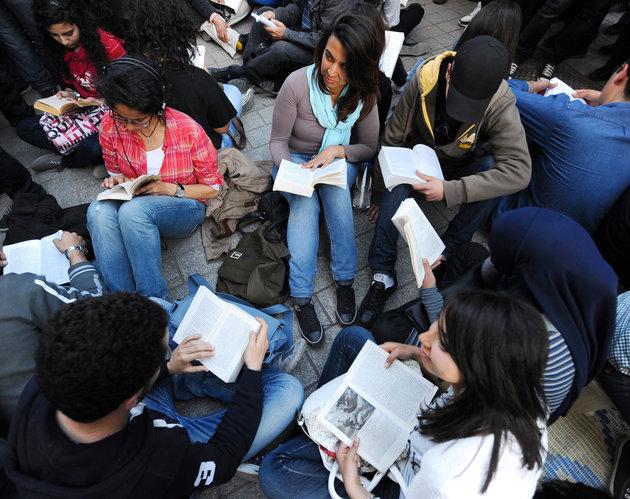 Les Tunisiens et la lecture : Les chiffres inquiétants de la Direction de la lecture publique du Ministère des affaires culturelles