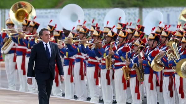 Bolsonaro ouvert à l'idée d'une base militaire américaine au Brésil, le Venezuela en ligne de mire