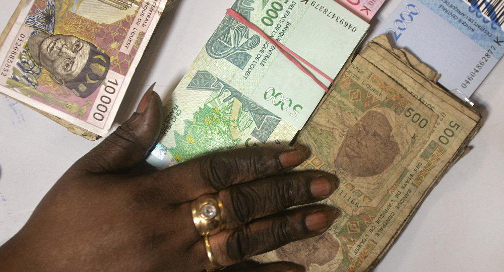 Quand les Africains s'emparent de la polémique entre Rome et Paris sur le franc CFA