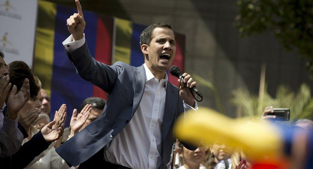 «Une milice de 2 millions de personnes défendra la souveraineté» du Venezuela… et Maduro
