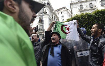 Manifestations en Algérie : des journalistes dénoncent un black-out médiatique