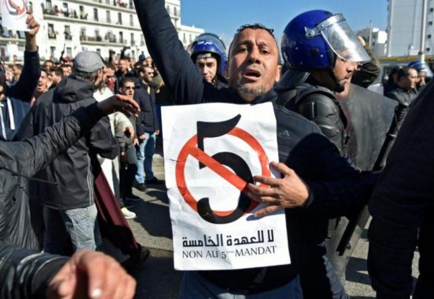 Algérie / Le PST appelle à une grève générale pour contraindre le pouvoir à abandonner son projet de 5e mandat