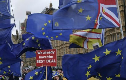 «Les chances d'un Brexit « dur »» augmentent et «la position de Theresa May» se fragilise