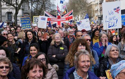 Des centaines de milliers de Britanniques à Londres pour un 2e référendum sur le Brexit