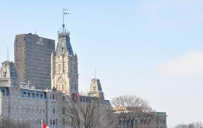 Comment le Québec fait-il face au débat sur la laïcité et le port du voile?