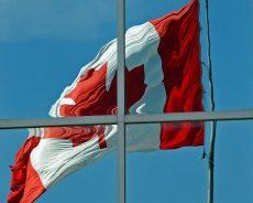 Canada / «Allah Akbar», «Legault, raciste!», une manif anti-laïcité sème la controverse au Québec