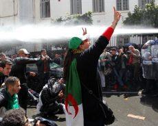 Algérie / la mobilisation dans la rue continue après la nomination d'un président par intérim