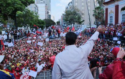 Maduro appelle les Vénézuéliens à dire «non» au coup d'État et aux États-Unis