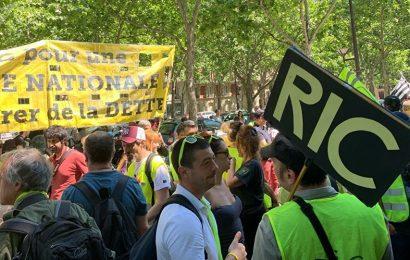 France / Les Gilets jaunes toujours dans la rue à Paris pour l'acte 29 de la mobilisation