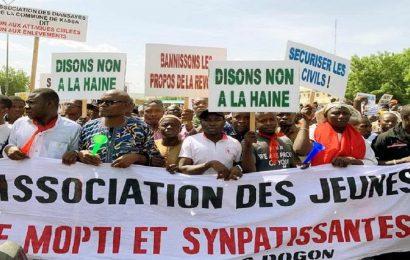Mali / manifestation à Bamako pour dire «stop» aux massacres