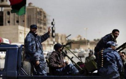 Libye / Tunis, Alger et Le Caire dénoncent les flux «continus» d'armes et de terroristes