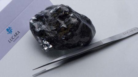 Botswana / le deuxième plus gros diamant non taillé de l'histoire s'appelle Sewelô