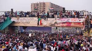 Au Soudan, la contestation durcit le ton contre les généraux