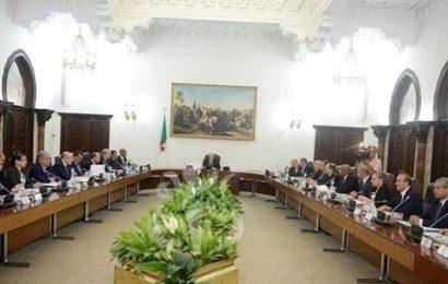 Algérie / La voie ouverte vers l'élection