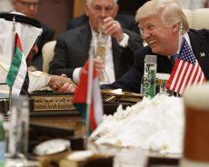 «Les Présidents des États-Unis ont tenté […] de confiner la République islamique»