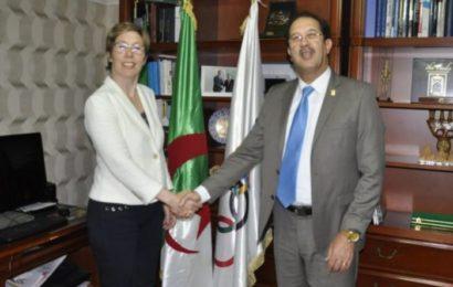 Coopération : Le président hongrois décore deux Algériens