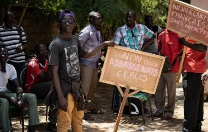 Burkina Faso / Un millier de personnes contre «le terrorisme et les bases étrangères»