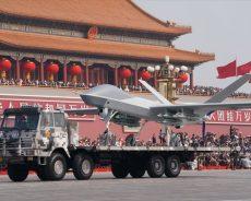 La Chine fête ses 70 ans en étalant sa puissance de feu
