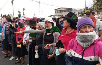 Les militaires introduisent la restriction de mobilité en Équateur