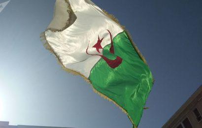 Hydrocarbures: entre le gouvernement par intérim et la rue algérienne, le torchon brûle