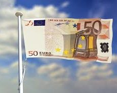 L'euro vingt ans après, bilan et perspectives.