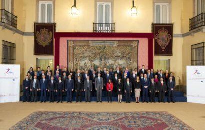 Le ministre chinois des AE exhorte les pays d'Asie et d'Europe à montrer l'exemple pour défendre le multilatéralisme