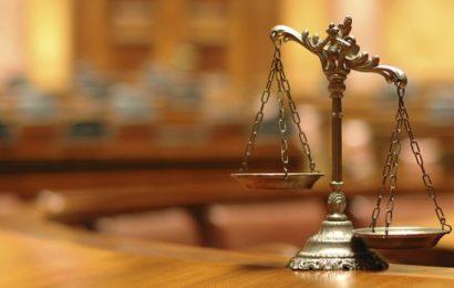 Démasquer la « mafia » judiciaire