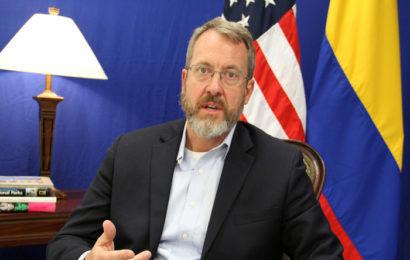 Venezuela : Maduro affirme avoir déjoué un complot et évoque le nom d'un diplomate américain
