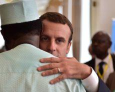 La «convocation» par Macron de cinq présidents africains sur le Sahel passe mal en Afrique