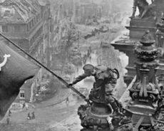 Le nazisme et le communisme, même chose ? Poutine critique l'UE et dénonce un mensonge impardonnable