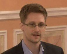 Etats-Unis d'Amérique / Le livre des Mémoires de Snowden est sorti