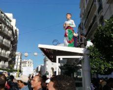 Situation à Alger : le dernier vendredi de manifestation avant la présidentielle