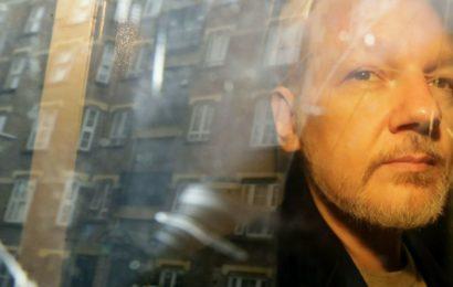 «Opération Hôtel»: comment les USA ont truffé de micros une ambassade étrangère pour traquer Assange