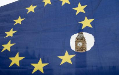 France / François Asselineau: «on se réjouit que la démocratie fonctionne encore au Royaume-Uni»