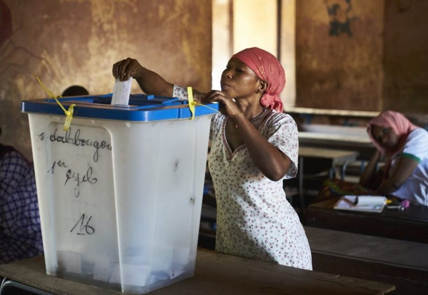 Afrique : d'une démocratie des élections à une démocratie de développement