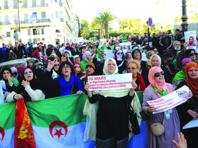 Algérie / La voix des femmes révoltées enflamme la capitale : «Il n'y a pas de festivités, il y a des manifs !»