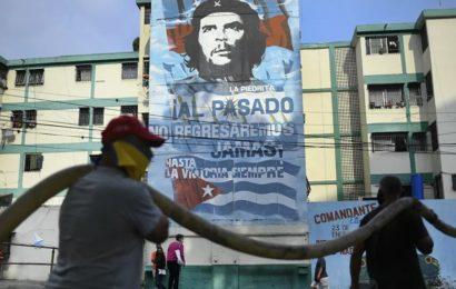 Un Américain arrêté au Venezuela dit qu'il était projeté d'enlever Maduro aux USA, selon une vidéo d'interrogatoire