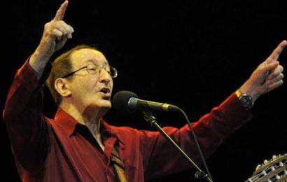 La puissance poétique d'Idir, l'artiste qui a fait connaître la musique algérienne au monde
