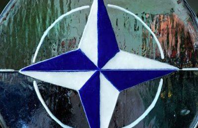 L'OTAN à la barre de la politique étrangère italienne