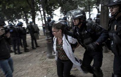 VIOLENCES POLICIÈRES : « En envoyant des individus armés pour gérer les problèmes sociaux, on augmente le risque de blessures ou de morts »