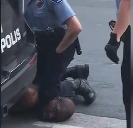 Pourquoi tant de violences policières aux États-Unis?