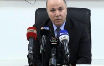 Algérie / Pour étoffer le réseau bancaire: Benabderrahmane appelle les investisseurs algériens à créer des banques privées
