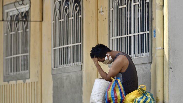 En Equateur, les évêques veulent le départ des fonctionnaires corrompus et inefficaces