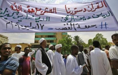 «Le Coran est notre constitution» : des Soudanais manifestent contre des réformes jugées anti-islam