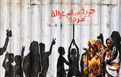 Le Soudan abandonne les lois sociales islamiques dans un mouvement historique suscitant joie et fureur