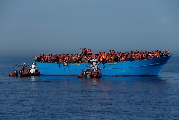 Banksy finance un navire pour secourir les migrants en Méditerranée