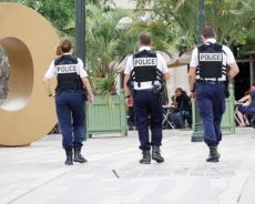 AU SERVICE DES CITOYENS ?  Caméras-piétons, police de proximité ou désarmement: quelles réformes pour la police ?
