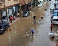 Les inondations en Algérie suscitent colère et dérision