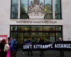 Procès Assange : l'administration Trump franchit une dangereuse étape dans sa guerre contre les médias