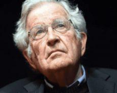 Procès Assange : Le témoignage de Noam Chomsky